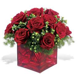 Ankara Sincan ucuz çiçek gönder  9 adet kirmizi gül cam yada mika vazoda