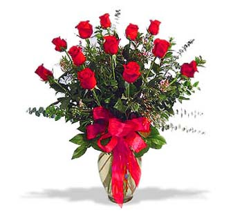 çiçek siparisi 11 adet kirmizi gül cam vazo  Çiçek siparişi Ankara Sincan anneler günü çiçek yolla