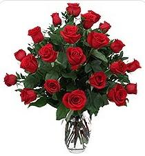 Ankara Sincan online çiçek gönderme sipariş  24 adet kırmızı gülden vazo tanzimi
