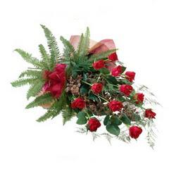 Çiçek siparişi Ankara Sincan anneler günü çiçek yolla  10 adet kirmizi gül özel buket çiçek siparisi
