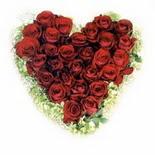 kalp biçiminde 15 gülden   Ankara Sincan çiçek gönderme sitemiz güvenlidir