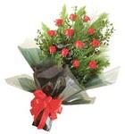 12 adet kirmizi gül buketi   Ankara Sincan çiçek siparişi vermek