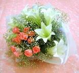 Ankara Sincan ucuz çiçek gönder  lilyum ve 7 adet gül buket