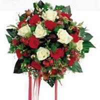Online Ankara Sincan çiçekçiler  6 adet kirmizi 6 adet beyaz ve kir çiçekleri buket