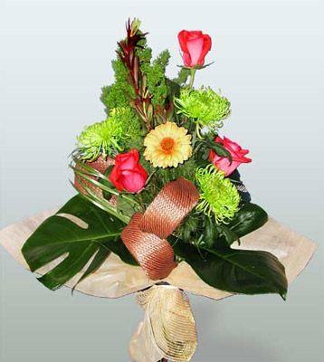 Online Ankara Sincan çiçekçiler  3 adet gül 4 adet gerbera çiçegi sade buket