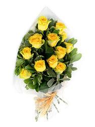 Ankara Sincan çiçek gönderme sitemiz güvenlidir  12 li sari gül buketi.