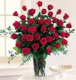 Ankara Sincan online çiçek gönderme sipariş  12 adet essiz kirmizi gül demeti cam yada mika vazoda
