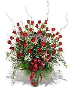 Ankara Sincan online çiçek gönderme sipariş  33 adet kirmizi gül vazo içerisinde