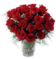Ankara Sincan çiçek , çiçekçi , çiçekçilik  11 adet kirmizi gül cam yada mika vazo içerisinde