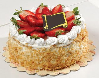 uygun pastaneler 4 ile 6 kisilik çilekli yas pasta lezzetli  Ankara Sincan 14 şubat sevgililer günü çiçek