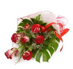 Çiçek gönder 9 adet kirmizi gül buketi  Ankara Sincan 14 şubat sevgililer günü çiçek