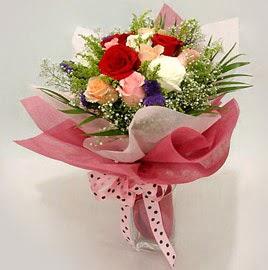 Karisik renklerde 11 adet gül buketi  Ankara Sincan hediye çiçek yolla