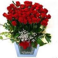 Ankara Sincan uluslararası çiçek gönderme   51 adet kirmizi gül aranjmani