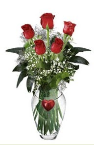 Ankara Sincan uluslararası çiçek gönderme  5 adet kirmizi gül ve kalp çubuklu