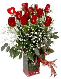 Ankara Sincan 14 şubat sevgililer günü çiçek  9 adet mika yada cam vazoda gül tanzimi kalp çubuk