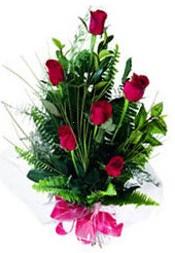 Ankara Sincan çiçek gönderme sitemiz güvenlidir  5 adet kirmizi gül buketi hediye ürünü