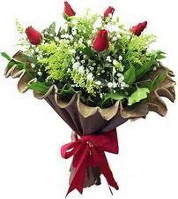 Çiçek siparişi Ankara Sincan anneler günü çiçek yolla  5 adet kirmizi gül buketi demeti