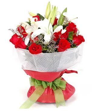 Ankara Sincan internetten çiçek siparişi  1 dal kazablanka 11 adet kırmızı gül buketi