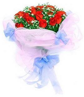 Ankara Sincan online çiçek gönderme sipariş  11 adet kırmızı güllerden buket modeli