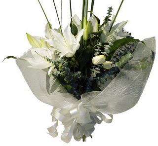 Ankara Sincan çiçek siparişi vermek  2 dal kazablanka çiçek buketi