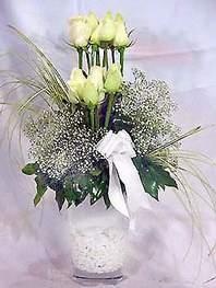 Çiçek siparişi Ankara Sincan anneler günü çiçek yolla  9 adet vazoda beyaz gül - sevdiklerinize çiçek seçimi
