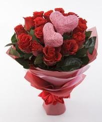 12 adet kırmızı gül ve 2 adet kalp çubuk  Ankara Sincan çiçek mağazası , çiçekçi adresleri