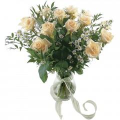 Vazoda 8 adet beyaz gül  Ankara Sincan çiçek mağazası , çiçekçi adresleri
