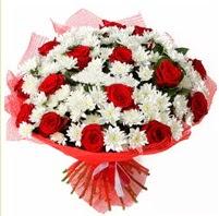 11 adet kırmızı gül ve beyaz kır çiçeği  cicek siparisi Ankara Sincan cicek , cicekci