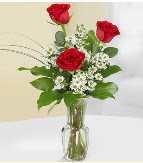 Vazo içerisinde 3 adet kırmızı gül  Ankara Sincan çiçek siparişi sitesi