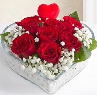 Kalp içerisinde 7 kırmızı gül kalp çubuk  Ankara Sincan çiçek , çiçekçi , çiçekçilik