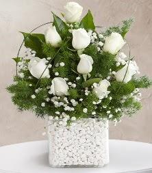 9 beyaz gül vazosu  Ankara Sincan çiçek siparişi sitesi