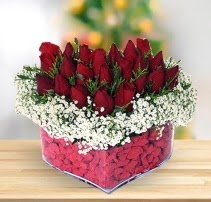 15 kırmızı gülden kalp mika çiçeği  Ankara Sincan çiçek siparişi sitesi