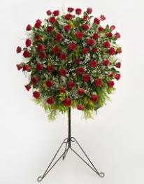 71 adet kırmızı gülden ferförje çiçeği  Ankara Sincan çiçek siparişi vermek