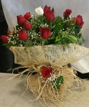 Kız isteme çiçeği 20 kırmızı 1 beyaz  Ankara Sincan online çiçek gönderme sipariş
