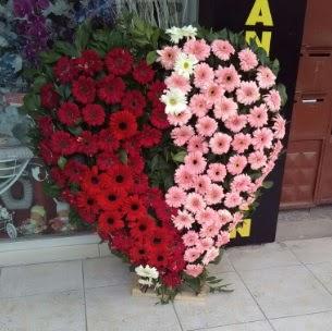 Kalp pano kalp şeklinde pano çiçeği  Ankara Sincan online çiçek gönderme sipariş