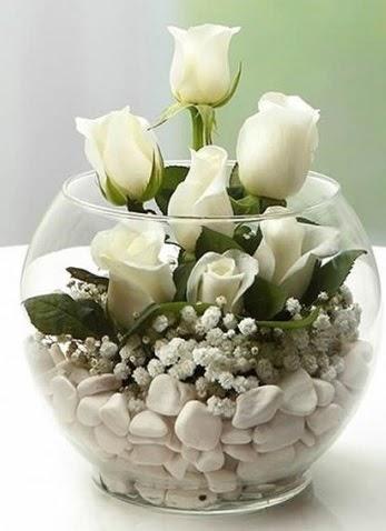 Beyaz Mutluluk 9 beyaz gül fanusta  Ankara Sincan online çiçek gönderme sipariş
