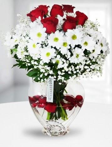 Kalp camda 7 gül kır çiçeği süper görsellik  Ankara Sincan ucuz çiçek gönder