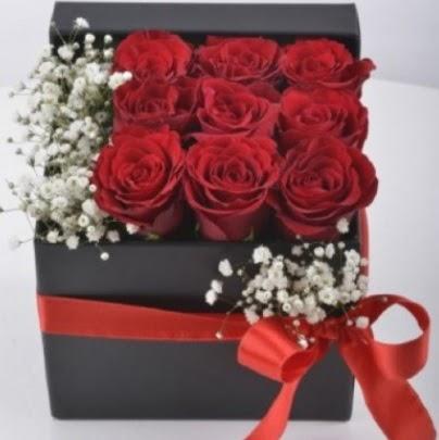 Kutu içerisinde 9 adet kırmızı gül  Ankara Sincan online çiçek gönderme sipariş
