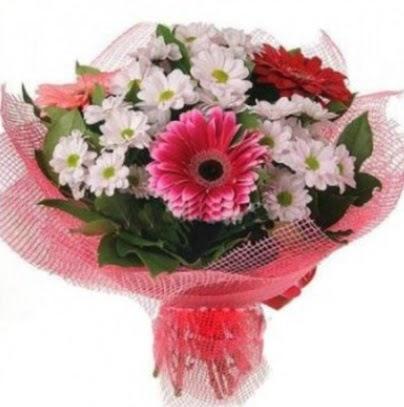 Gerbera ve kır çiçekleri buketi  Ankara Sincan uluslararası çiçek gönderme