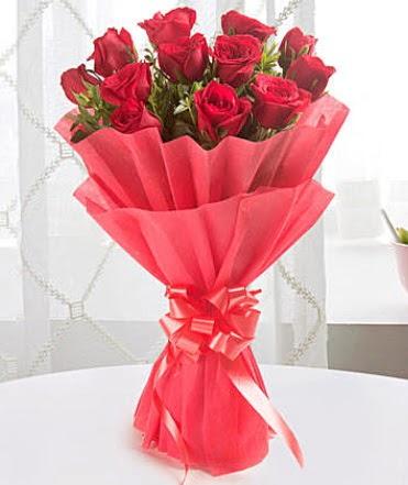 12 adet kırmızı gülden modern buket  Ankara Sincan ucuz çiçek gönder