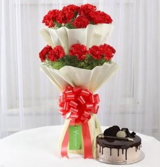 20 adet kırmızı karanfil buketi ve yaş pasta  Ankara Sincan çiçek , çiçekçi , çiçekçilik
