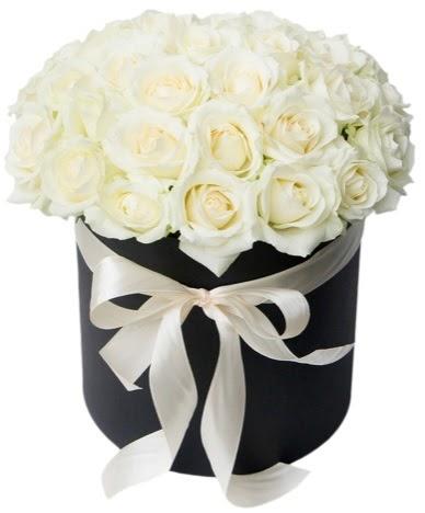 41 adet beyaz gül kutuda söz  Ankara Sincan çiçek siparişi sitesi  süper görüntü
