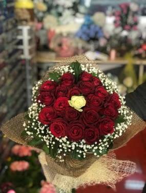 21 adet gül söz nişan çiçeği  Ankara Sincan çiçek , çiçekçi , çiçekçilik